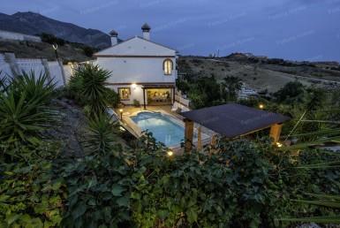 Villa mediterránea en venta en Mijas Costa (Málaga)