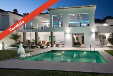 Fortuna Homes - Villa en venta en La Capellanía, Benalmádena