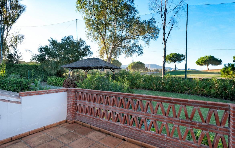 Villa en venta en La Cala Mijas Golf con vistas directas al campo de golf