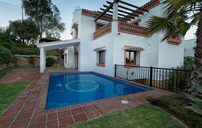Villa en venta en La Cala Mijas Golf con piscina privada de 20 metros cuadrados