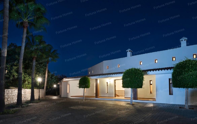Villa en venta en La Capellanía (Benalmádena) con seguridad en toda la casa