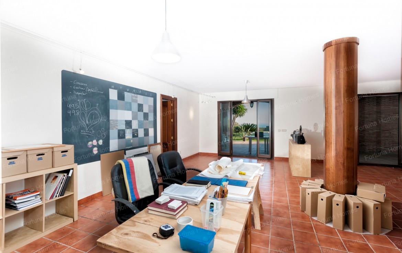 Villa en venta en La Capellanía (Benalmádena) con despacho privado